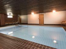 Uima-allas tässä talossa.