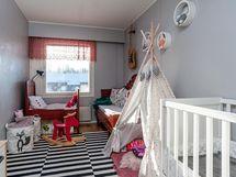 lastenhuone/makuuhuone 2