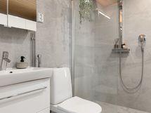Kylpyhuoneen käytännöllisyyttä