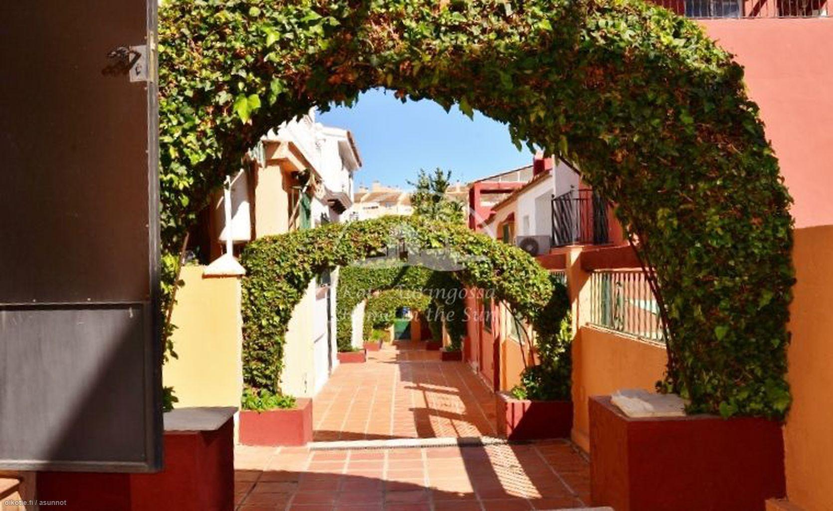 130 m² Calle Rio Pasadas, 29640 Fuengirola Paritalo 5h myynnissä - Oikotie 14621051