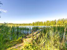Taloyhtiön oma ranta, Ahostenjärvi