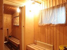 kellarin saunan pukuhuone