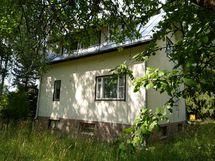 Kesäkuva talosta