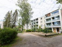 Asunto keskirapussa, 2. krs (ison puun kohdalla)