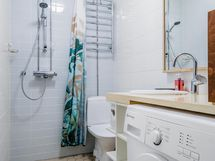 Kylpyhuone uusittu 2015.