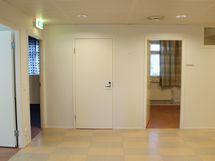 Käytävän päässä on loput huoneet.