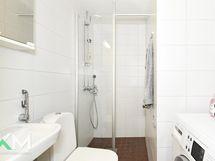 Toinen uusista kylpyhuoneista