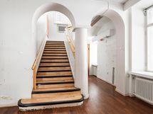 Juhlavat portaat yläkertaan