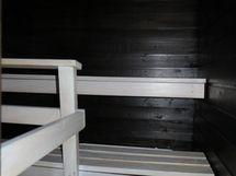 Sauna yläkerrassa.