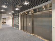 tiloihin pääsy hissillä