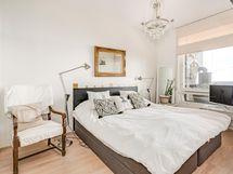 Master bedroom katselee Vesijärvelle