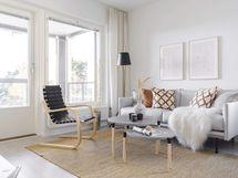 Valokuva asunnon olohuoneesta