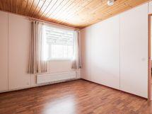 Pienempää asuntoa