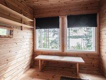 Makuuhuone, ikkunat merelle