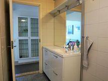 Kylpyhuoneen allaskaapisto
