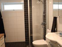 kylpyhuone / suihkunurkkaus / toinen wc / kaapisto