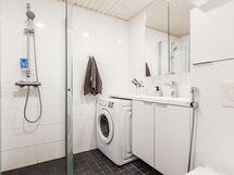 Nykyaikainen kylpyhuone