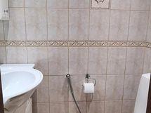 erillinen wc alakerta