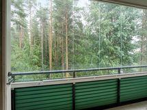 parvekkeen vehreät suojaisat näkymät