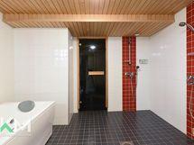 Pesuhuone/poreallashuone