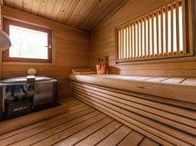 päärakennuksen yläkerran sauna