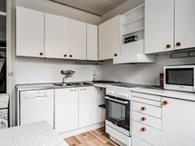 Kaikki mitä keittiössä tarvitset on olemassa, päivitä keittiö mielesi mukaan.