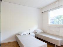 Yläkerran yksi makuuhuone