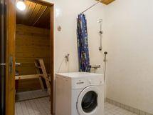 Vaalea kylpyhuone