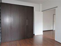 makuuhuone, kaapisto, tupla-ovet