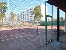 Taloyhtiön tenniskenttä