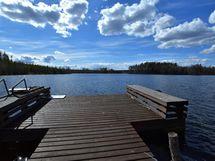 näkymä laiturilta järvelle