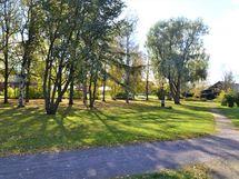 talon viereinen puisto
