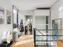 Hissi ja portaikkoa