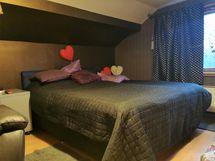 Suurempaa makuuhuonetta