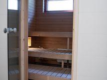 Taloyhtiön sauna ja pesuhuone on saneerattu 2019