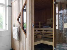 Alakerrassa sijaitseva sauna