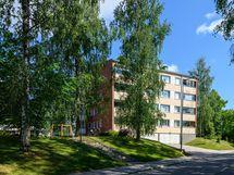 Viihtyisä kaksio kolmannessa kerroksessa vehreällä Harjukylän alueella! Taloyhtiössä suurimmat remontit on tehty mm. julkisivu- ja LVIS-saneeraus.