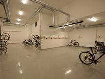 Tilavat pyörän säilytystilat