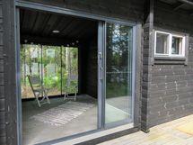 Liukuovet lasitetulle verannalle