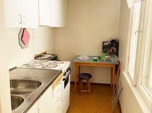 piharakennuksen keittiö