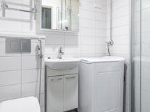 Putkiremontin yhteydessä remontoitu kylpyhuone