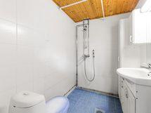 Kellaritila kylpyhuone