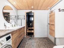 Tämä on upea! Syksyllä 2020 täysin uusittu kylpyhuone!