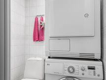 toinen wc josta tehty pyykkihuone