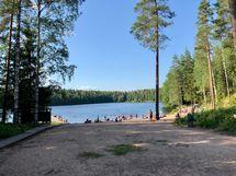 Hyvinkään kaupungin uimaranta on vain 150 m:n päässä