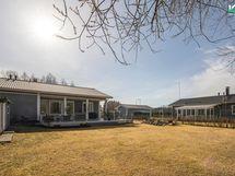 Tontilla on 240 m² kokonaisrakennusoikeus