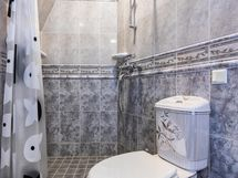 Makuuhuoneen kylpyhuone / suihku