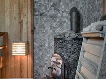 Tilava sauna: puu- ja sähkökiuas