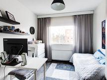 Makuuhuone 2 on remontoitu 2015