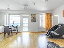 Ruokailu-/olohuone Dining-/livingroom area